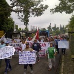 Foto warga batu Untuk Menyelamatka Sumber Mata Air Gemulo